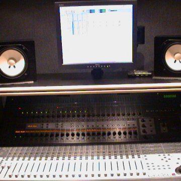 Control 24 multi digital track recording console